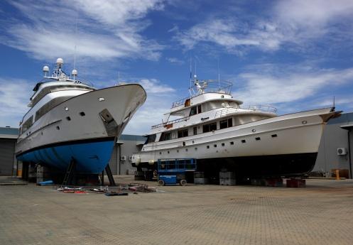 Restoring「Two yachts on shipyard」:スマホ壁紙(2)