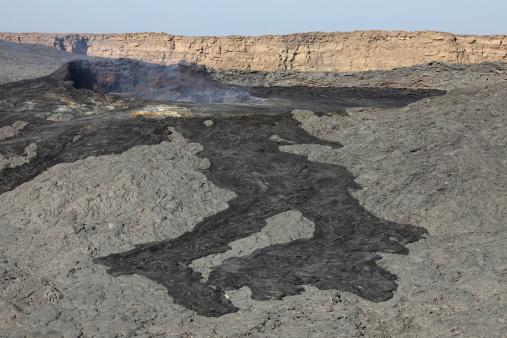 Basalt「January 30, 2011 - Basaltic lava flow from pit crater, Erta Ale volcano, Danakil Depression, Ethiopia.」:スマホ壁紙(13)