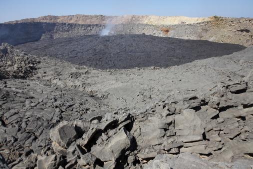 Basalt「January 30, 2011 - North crater floor covered with basaltic lava flows, Erta Ale volcano, Danakil Depression, Ethiopia.」:スマホ壁紙(12)