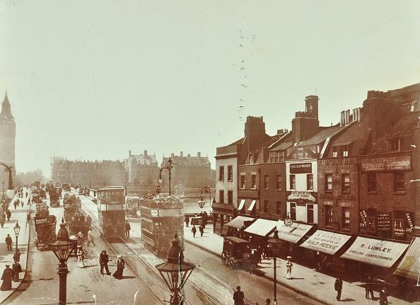 Double-Decker Bus「Double-Decker Electric Trams On Westminster Bridge, London, 1906」:写真・画像(7)[壁紙.com]
