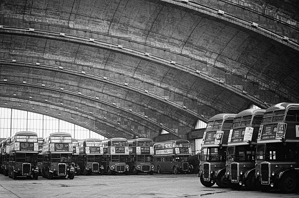 Ceiling「Stockwell Bus Garage」:写真・画像(6)[壁紙.com]