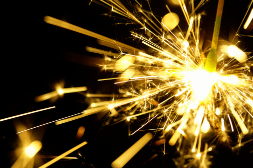 花火「Fire sparkler」:スマホ壁紙(19)
