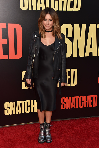 """Snatched - 2017 Film「Premiere Of 20th Century Fox's """"Snatched"""" - Arrivals」:写真・画像(6)[壁紙.com]"""