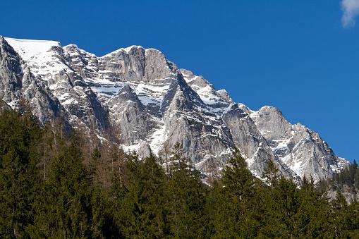 雪景色「Germany, Upper Bavaria, Klausbach valley, view to Haeuselhorn Mountain」:スマホ壁紙(13)