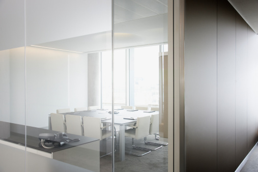 Corporate Business「Empty conference room in modern office」:スマホ壁紙(7)