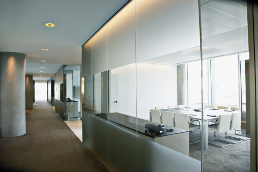 Corporate Business「Empty conference room in modern office」:スマホ壁紙(2)