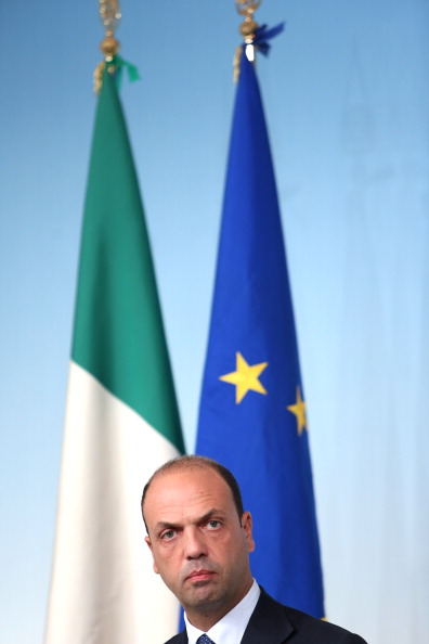 Franco Origlia「PDL Ministers Hold Press Conference」:写真・画像(10)[壁紙.com]