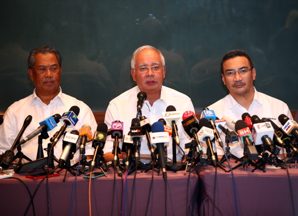 Mohammad Najib Tun Razak「Malaysian Airlines Flight Reported Missing On Route To Beijing」:写真・画像(2)[壁紙.com]