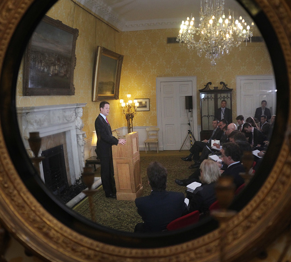 Conference Phone「Nick Clegg Gives A Press Conference Marking The End Of The Parliamentary Term」:写真・画像(2)[壁紙.com]