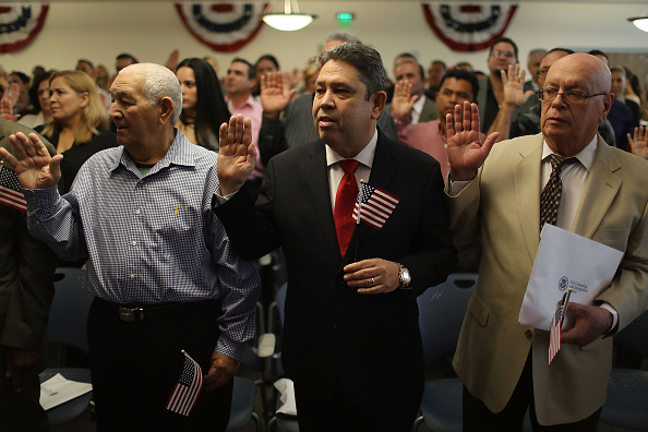 Kendall - Florida「Florida Residents Become Citizens In Naturalization Ceremony Held In Miami」:写真・画像(2)[壁紙.com]