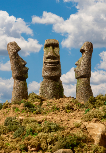 Frowning「Easter Island Smiling, Frowning」:スマホ壁紙(6)