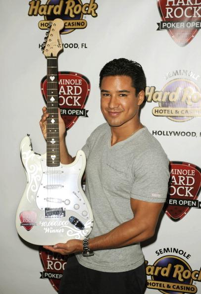Mario Lopez「Mario Lopez Stopped By Seminole Hard Rock Hotel & Casino Hollywood Seminole Hard Rock Poker Open」:写真・画像(13)[壁紙.com]