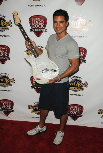 Mario Lopez「Mario Lopez Stopped By Seminole Hard Rock Hotel & Casino Hollywood Seminole Hard Rock Poker Open」:写真・画像(12)[壁紙.com]