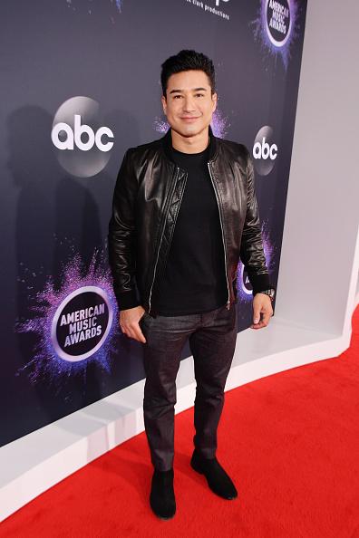 Mario Lopez「2019 American Music Awards - Red Carpet」:写真・画像(3)[壁紙.com]