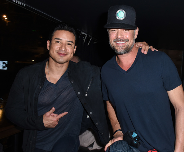 Mario Lopez「Sandals Resorts Hosts Private Event in the Hyde Lounge inside Staples Center at the Elton John Farewell Concert」:写真・画像(14)[壁紙.com]