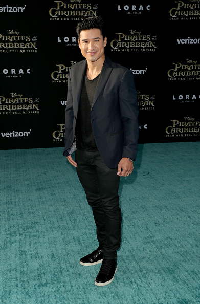 Mario Lopez「Premiere Of Disney's 'Pirates Of The Caribbean: Dead Men Tell No Tales' - Arrivals」:写真・画像(12)[壁紙.com]