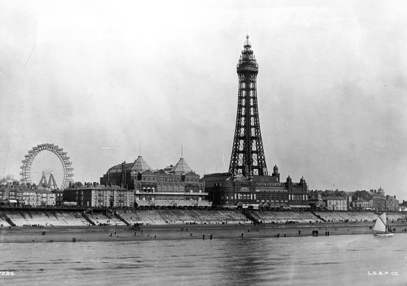 Amusement Park Ride「Blackpool Tower」:写真・画像(7)[壁紙.com]
