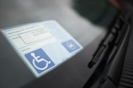 Accessibility Sign「Handicap sticker on windshield」:スマホ壁紙(17)