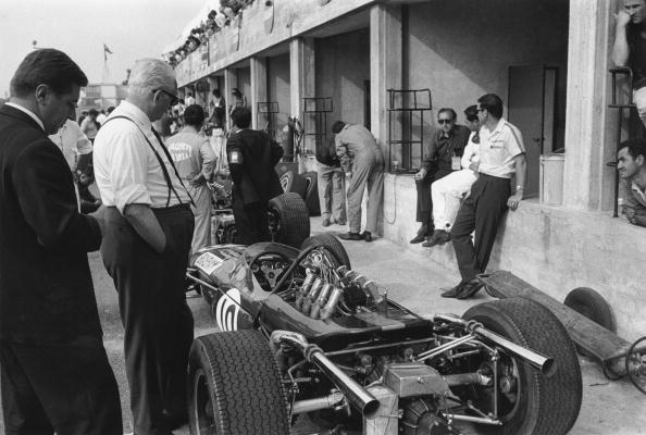 レーシングカー「Enzo Ferrari」:写真・画像(2)[壁紙.com]