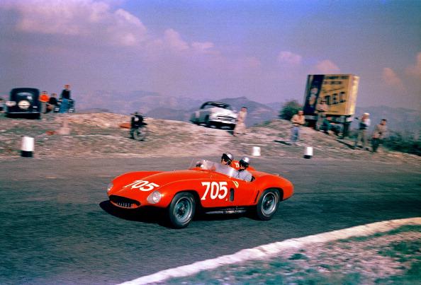 Ferrari「Maglioli's Ferrari In Mille Miglia」:写真・画像(14)[壁紙.com]