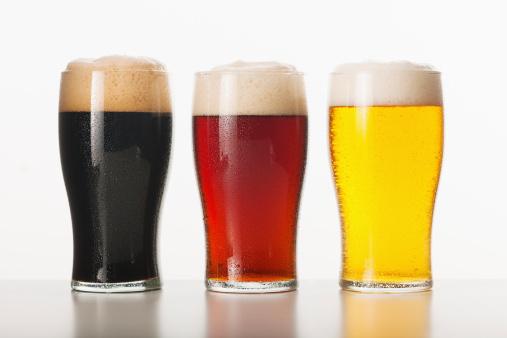Liquor「Three beers in glasses, studio shot」:スマホ壁紙(17)