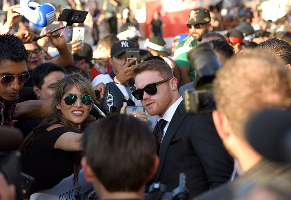 "Saul Alvarez「Hennessy Screening of ""I Am Boxing"" and Canelo VS. GGG Wrap Party at The Avalon in Los Angeles」:写真・画像(16)[壁紙.com]"