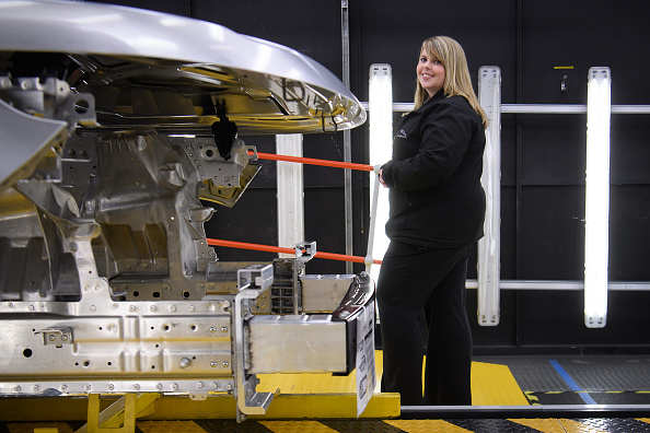 Finance and Economy「On The Factory Floor At The Jaguar Rover Factory」:写真・画像(10)[壁紙.com]