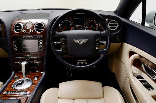 Bentley「2004 Bentley Continental GT」:写真・画像(15)[壁紙.com]