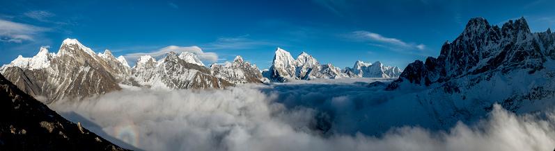 Khumbu「Nepal, Khumbu, Everest region, everest range from Gokyo ri peak, Panorama」:スマホ壁紙(6)