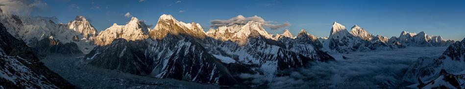 Khumbu「Nepal, Khumbu, Everest region, Everest range from Gokyo ri peak」:スマホ壁紙(7)