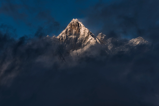 Khumbu「Nepal, Khumbu, Everest region, Dingboche, Taboche in the evening」:スマホ壁紙(1)