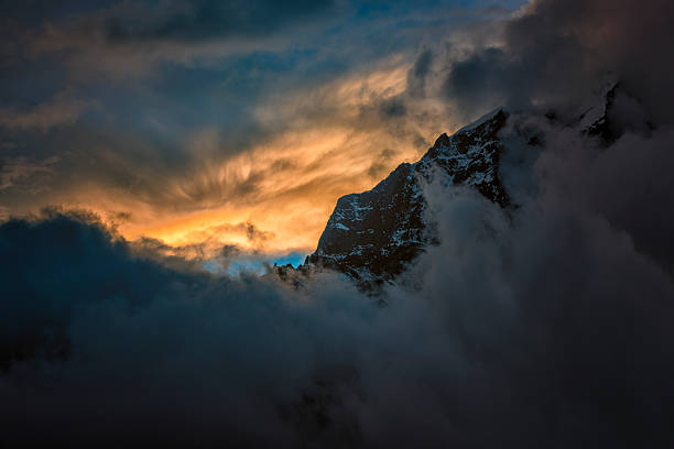 Nepal, Khumbu, Everest region, Dingboche, Taboche at sunset:スマホ壁紙(壁紙.com)