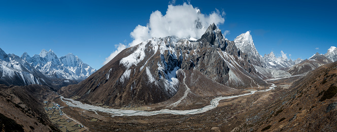 Khumbu「Nepal, Khumbu, Everest region, Dingboche, Taboche peak」:スマホ壁紙(2)