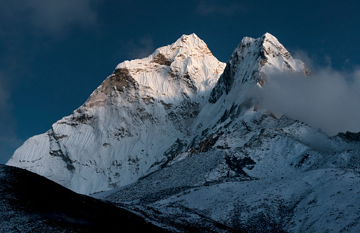 Khumbu「Nepal, Khumbu, Everest region, Ama Dablam by moonlight」:スマホ壁紙(15)