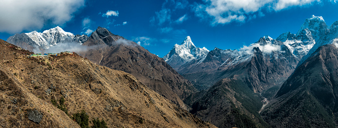 Ama Dablam「Nepal, Khumbu, Everest region, khumbu valley with Kantega, Ama Dablam and Nuptse」:スマホ壁紙(18)