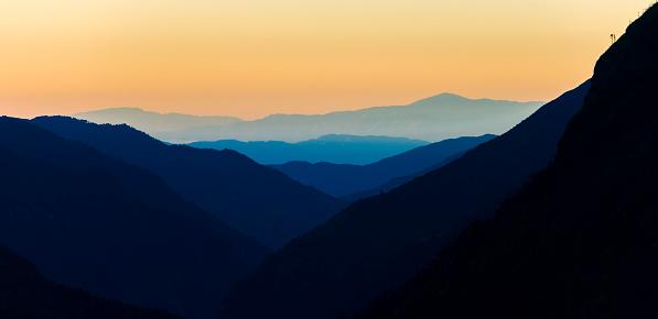 Khumbu「Nepal, Khumbu, Everest region, Namche Bazaar, sunrise」:スマホ壁紙(5)