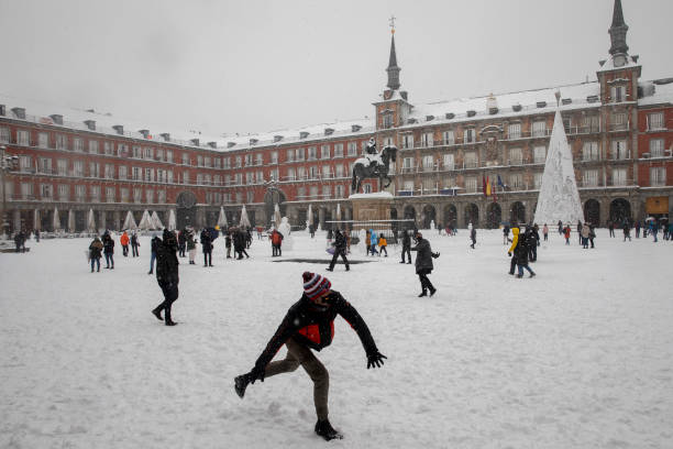 Snow Hits Madrid As Temperatures Plummet In Spain:ニュース(壁紙.com)