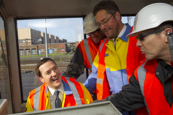 Corporate Business「Chancellor George Osborne Visits Business Affected By The Budget」:写真・画像(15)[壁紙.com]