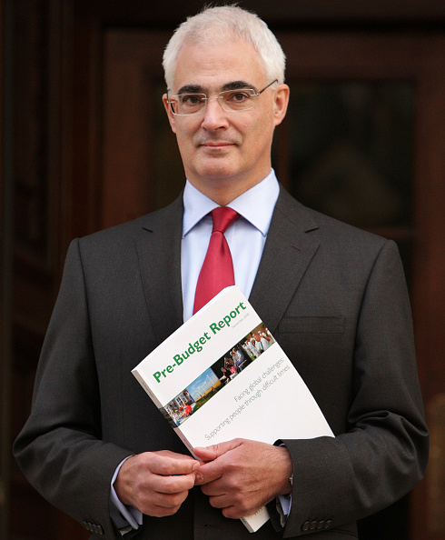 Treasury - Finance and Government「Chancellor Of Exchequer To Announce Pre-Buget Report」:写真・画像(16)[壁紙.com]