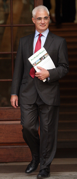 Treasury - Finance and Government「Chancellor Of Exchequer To Announce Pre-Buget Report」:写真・画像(15)[壁紙.com]