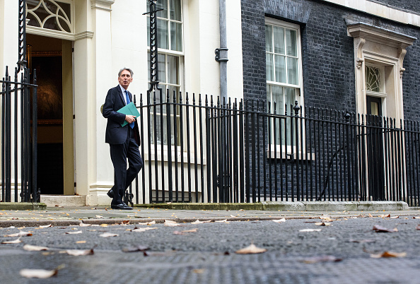 Treasury - Finance and Government「The Chancellor Of The Exchequer Delivers His First Autumn Statement」:写真・画像(19)[壁紙.com]