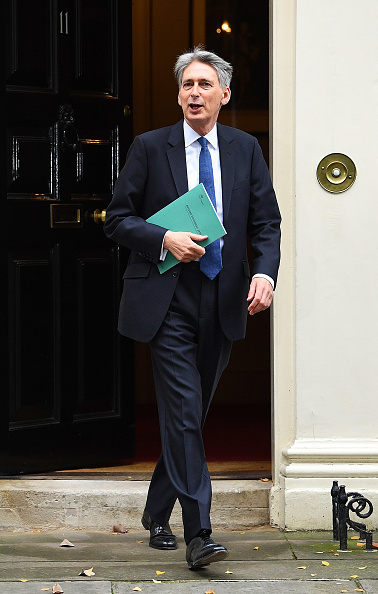 Treasury - Finance and Government「The Chancellor Of The Exchequer Delivers His First Autumn Statement」:写真・画像(16)[壁紙.com]
