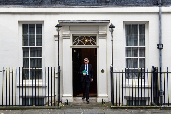Treasury - Finance and Government「The Chancellor Of The Exchequer Delivers His First Autumn Statement」:写真・画像(18)[壁紙.com]