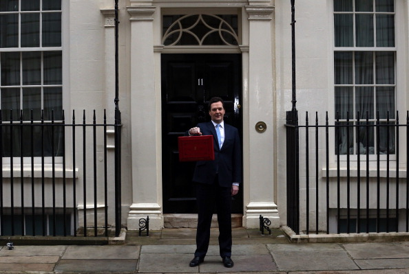 Matt Cardy「The Chancellor George Osborne Prepares To Give His Budget To Parliament」:写真・画像(15)[壁紙.com]