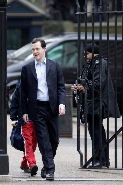 School Bus「The Chancellor George Osborne Prepares To Give His Budget To Parliament」:写真・画像(7)[壁紙.com]
