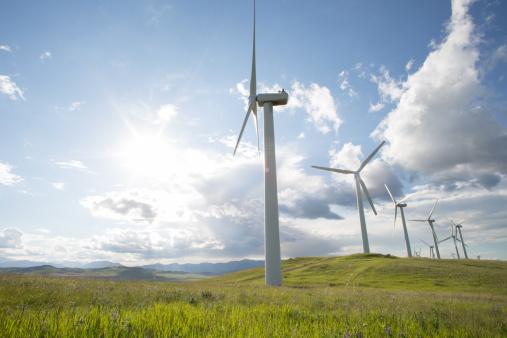 Wind Turbine「Row of wind turbines in green meadow, mtns distant」:スマホ壁紙(12)