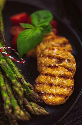 Meat Substitute「Grilled Green Asparagus with Tempeh」:スマホ壁紙(16)