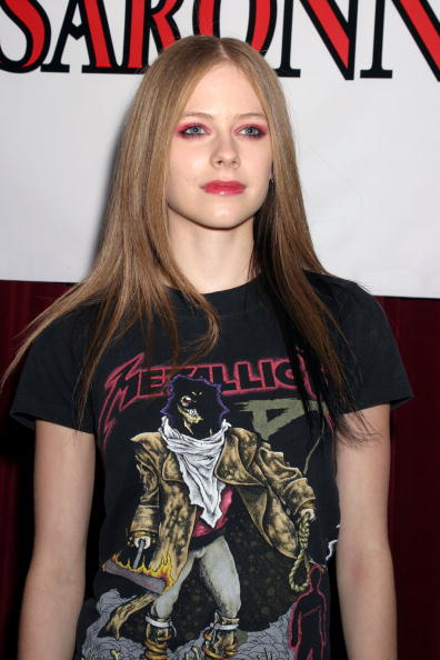 Shirt「Avril Lavigne Arrives At The Oxygen Network's Custom Concert」:写真・画像(13)[壁紙.com]