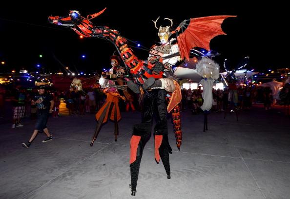 EDC「17th Annual Electric Daisy Carnival - Day 1」:写真・画像(6)[壁紙.com]