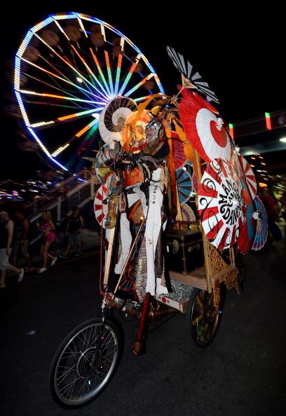 EDC「17th Annual Electric Daisy Carnival - Day 1」:写真・画像(5)[壁紙.com]